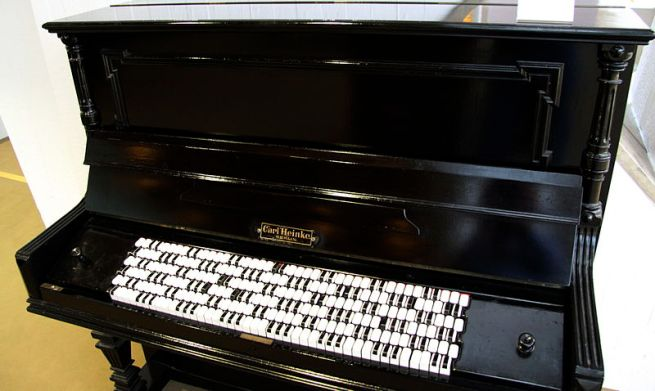 800px-MIM_Janko_Piano