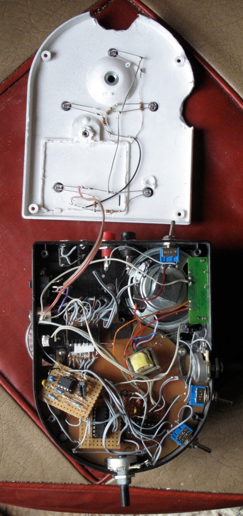 Optotheremin inside IMG_0960 lge